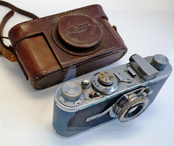 Cartier-Bresson's_first_Leica web