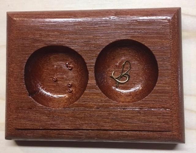 Drveno postolje za udice i perle