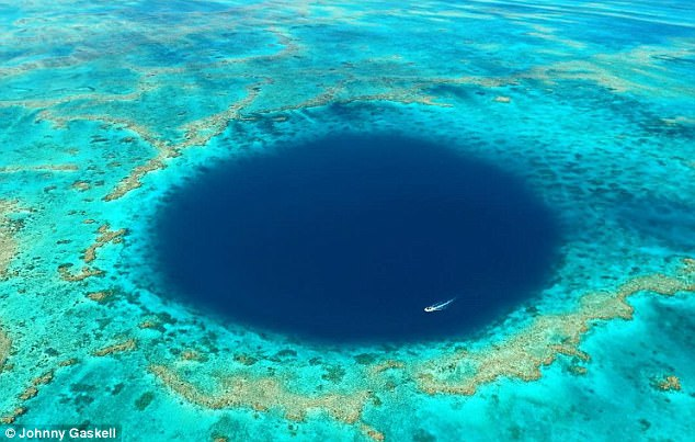 Misteriozna plava rupa na Velikom koralnom grebenu