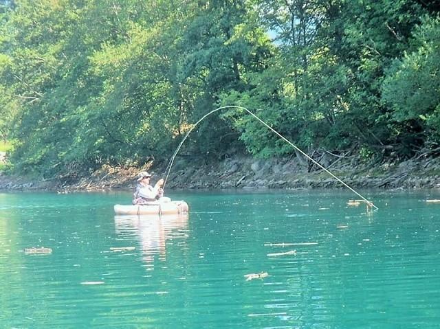 Mušičarenje na Savi Dolinki, jezero He Moste (Gacka)